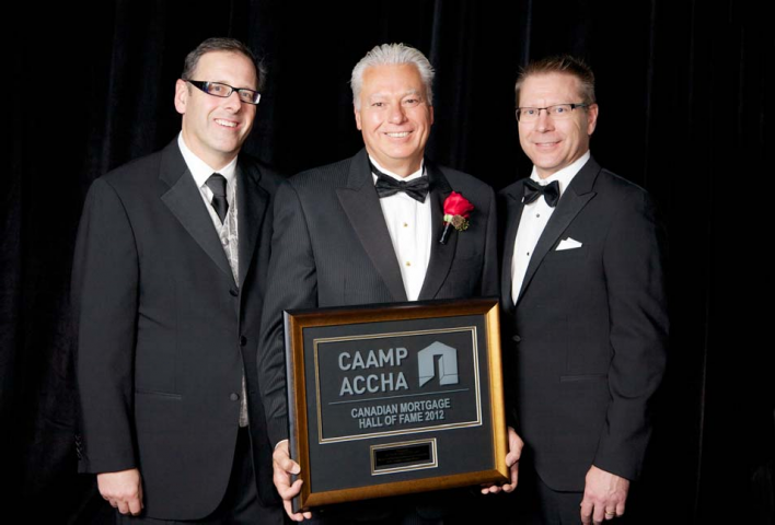 FCT President Patrick J Chetcuti accepting plaque for his Induction into Canadian Mortgage Hall of Fame